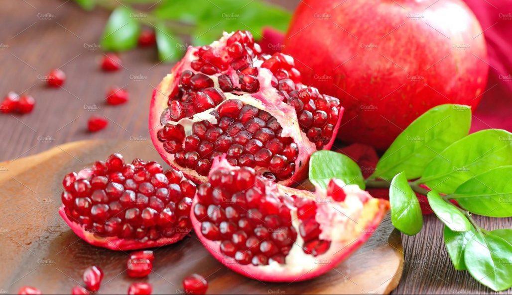 jenis buah delima merah